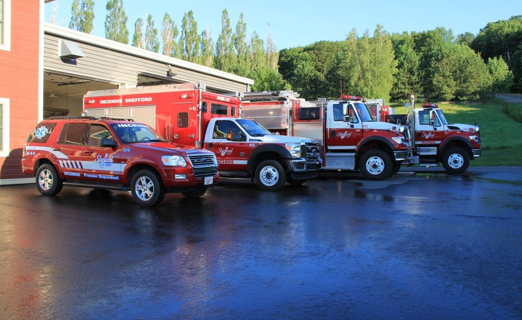 2011-photo-caserne-camions